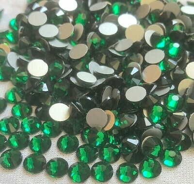 Emerald - KiraKira Glass Rhinestones by CrystalNinja