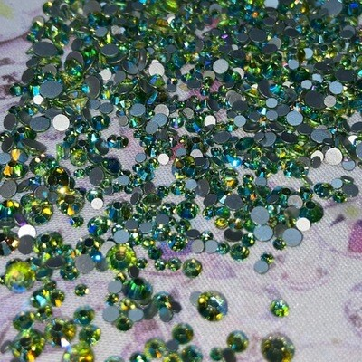 Peridot AB - KiraKira Glass Rhinestones by CrystalNinja