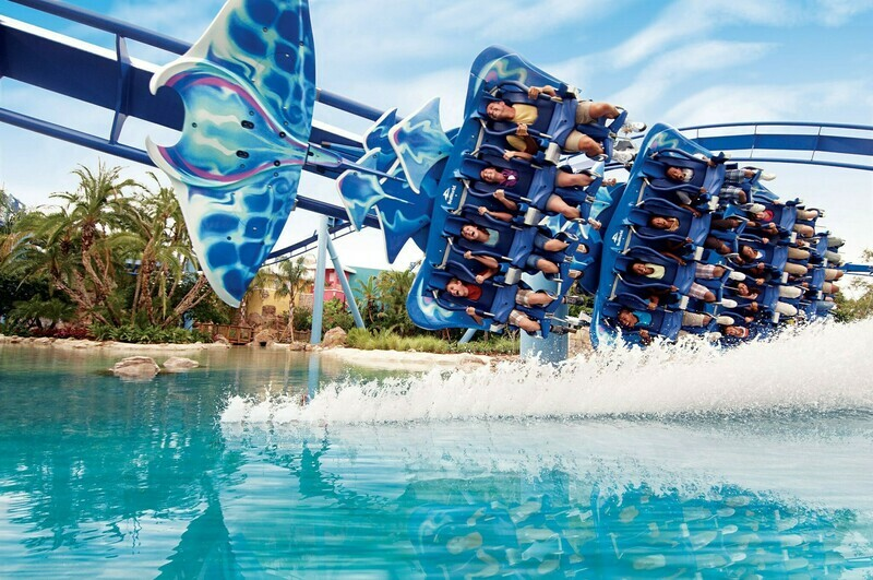 4 Days 3 Nights Orlando Florida minutes from all the theme parks! Save big!!! also bonus $50 Visa Gift Card
