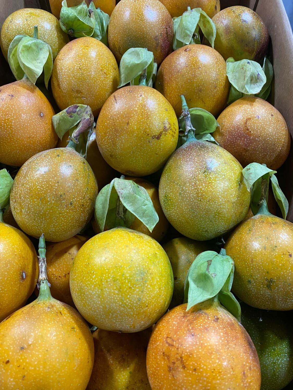 Granadilla x caja aprox 10 kilos calidad Exportacion