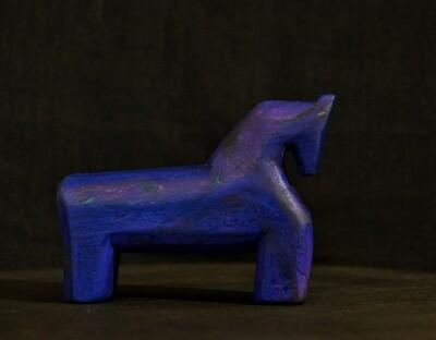 Лазурно-синий конь