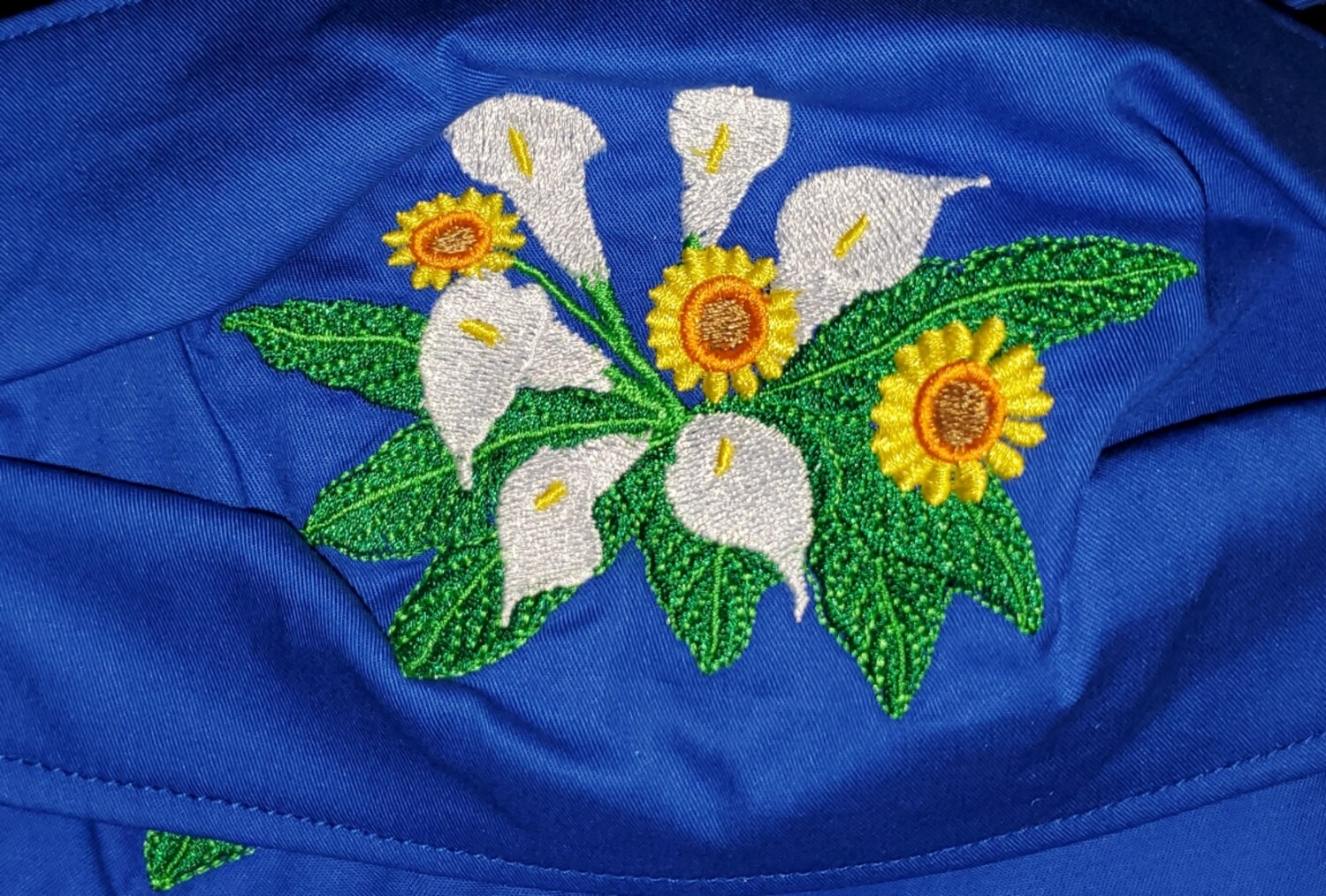 CALLA LILIES FLORAL  Embroidered Design
