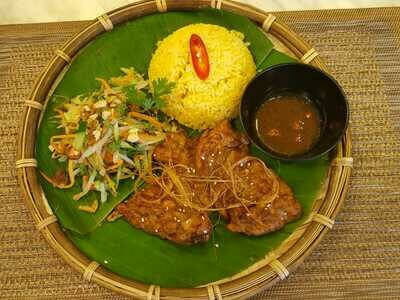 (COM GA HOI AN) Rice Plate With Grilled Chicke In Hoi An Style