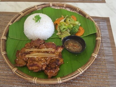 (COM GA NUONG) Rice Plate With Grilled Chicken & Stir-fried Vegetable