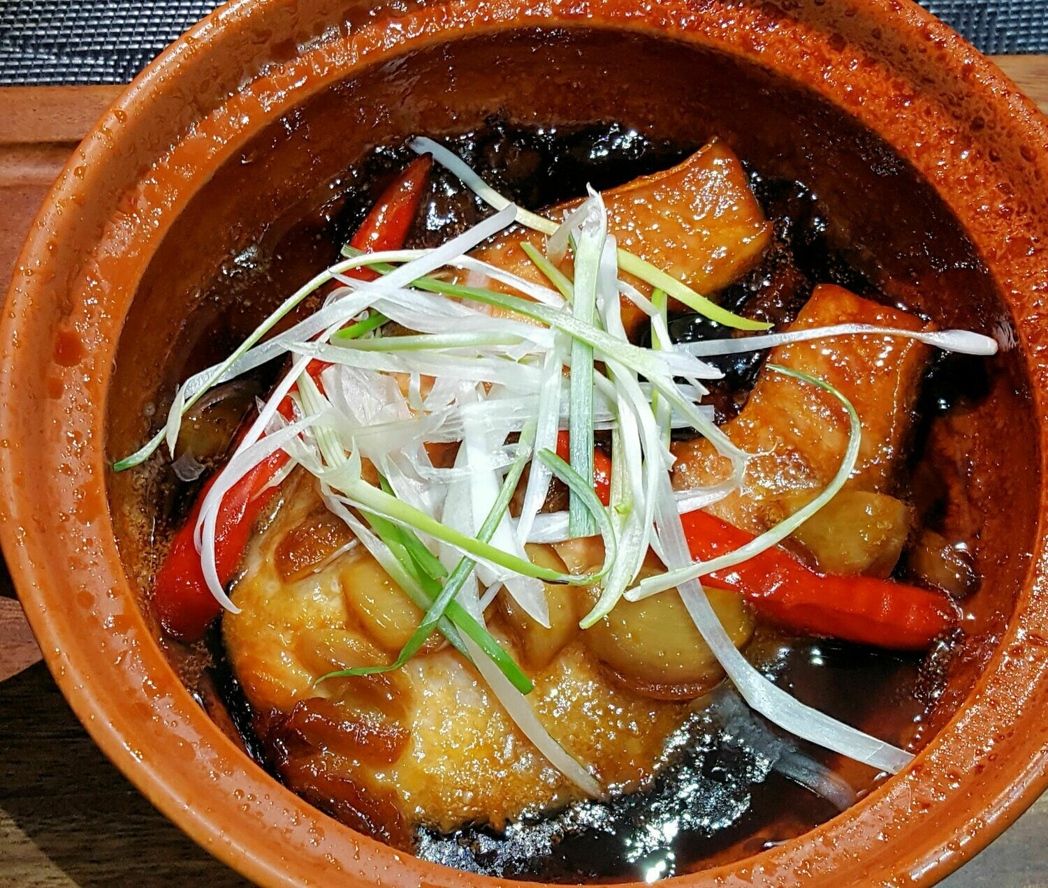 (CA THU KHO TO) Braised & Caramelized King Fish In Clay Pot