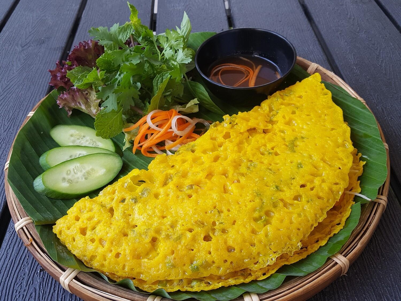 (Banh Xeo)  Vietnamese Crispy Pancake