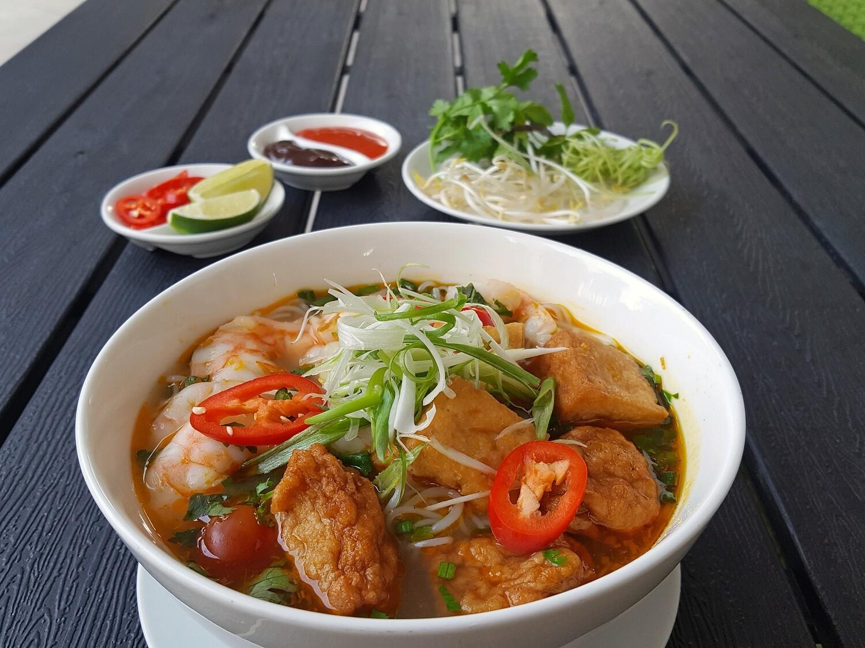 (BUN RIEU CUA) Vietnamese Crab Noodle Soup