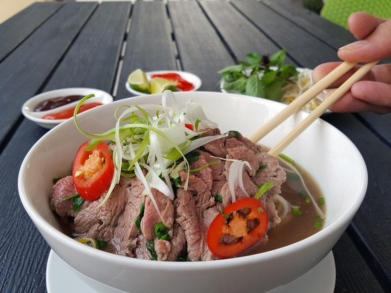 (PHO BO TAI) Vietnamese Beef Noodle Soup With Tenderloin