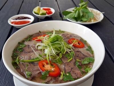 (PHO BO) Vietnamese Beef Noodle Soup