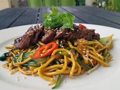 (MI SOBA XAO BO BIT TET) Teriyaki Beef Steak and Soba Noodles