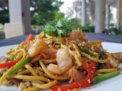 (MI YAKI SOBA TOM GA) Yaki Soba Noodle With Chicken & Prawns