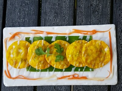 (HOANH THANH CHIEN GION) Crispy Ravioli With coconut Sauce