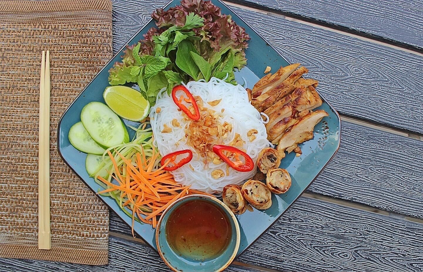 (BUN THIT NUONG) Dried Noodle