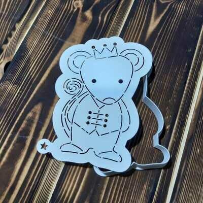 Мышонок в короне 7,5х11 см с трафаретом