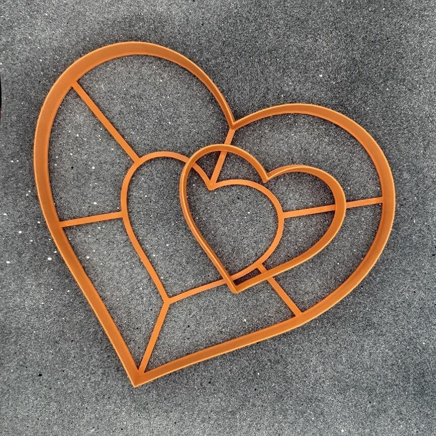 "Форма для пряников и бисквитов ""Сердце - торт"" (22,5 х 20 см)"