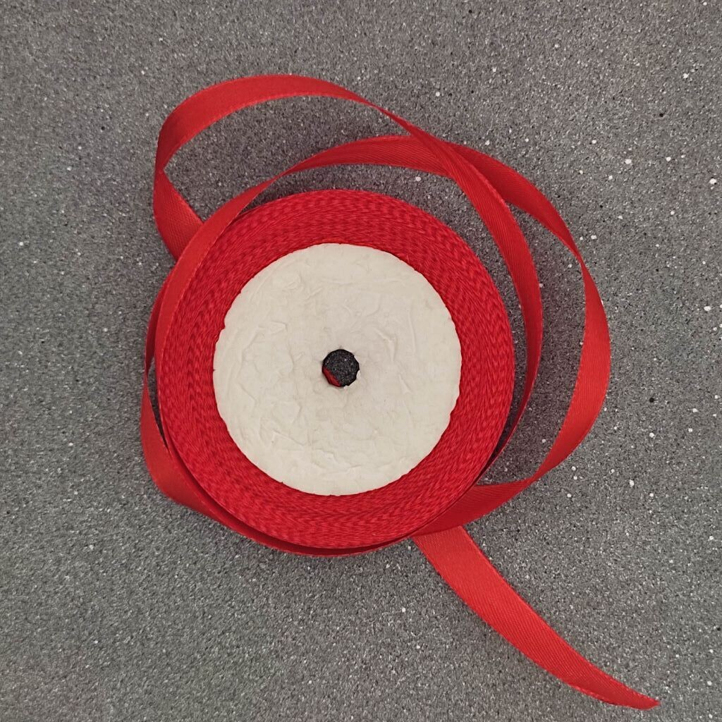 Красная атласная лента 12 мм