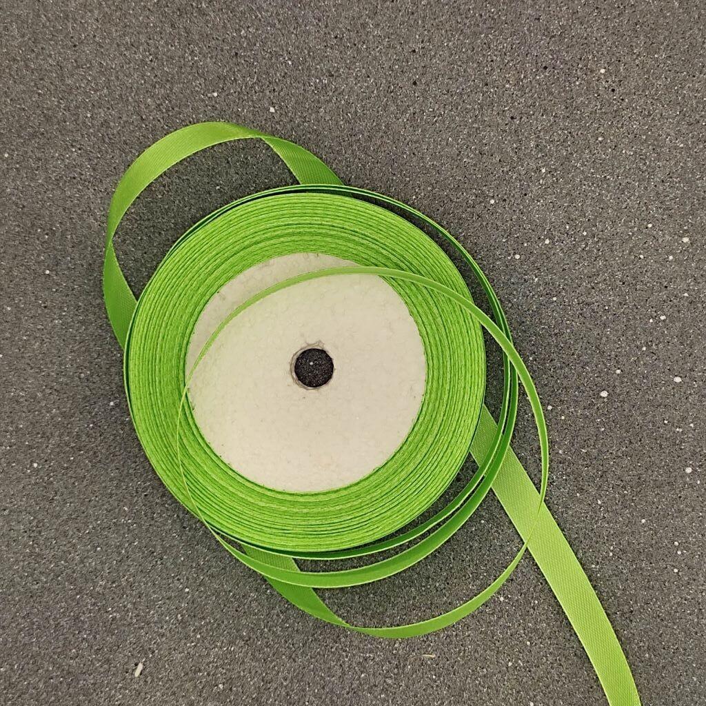 Зеленая атласная лента 10 мм