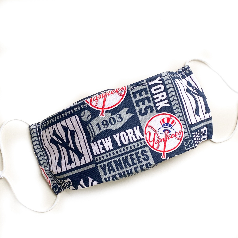 EasyFit MLB Baseball New York Yankees Reusable Cloth Face Mask
