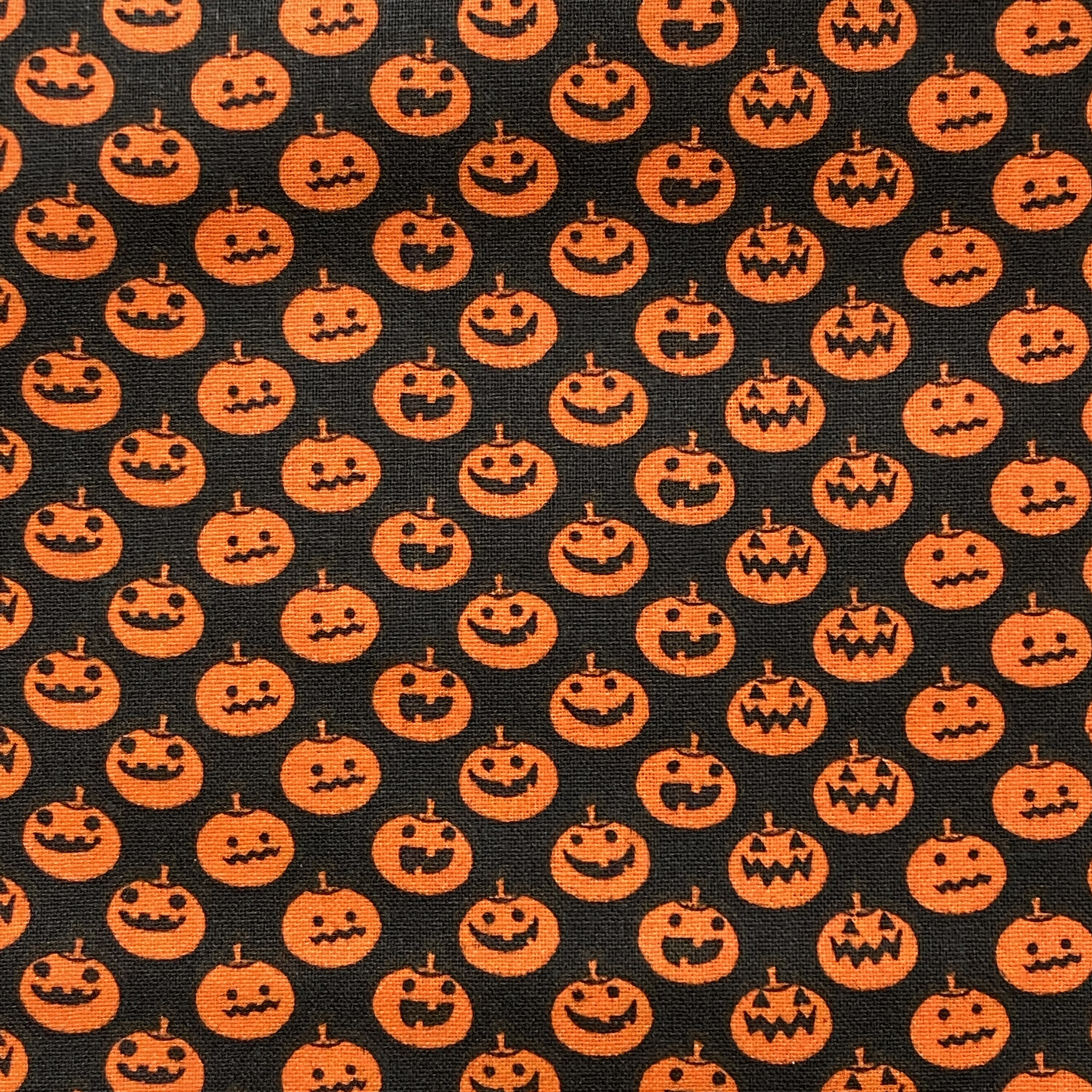 EasyFit Halloween Smiling Pumpkins Reusable Cloth Face Mask