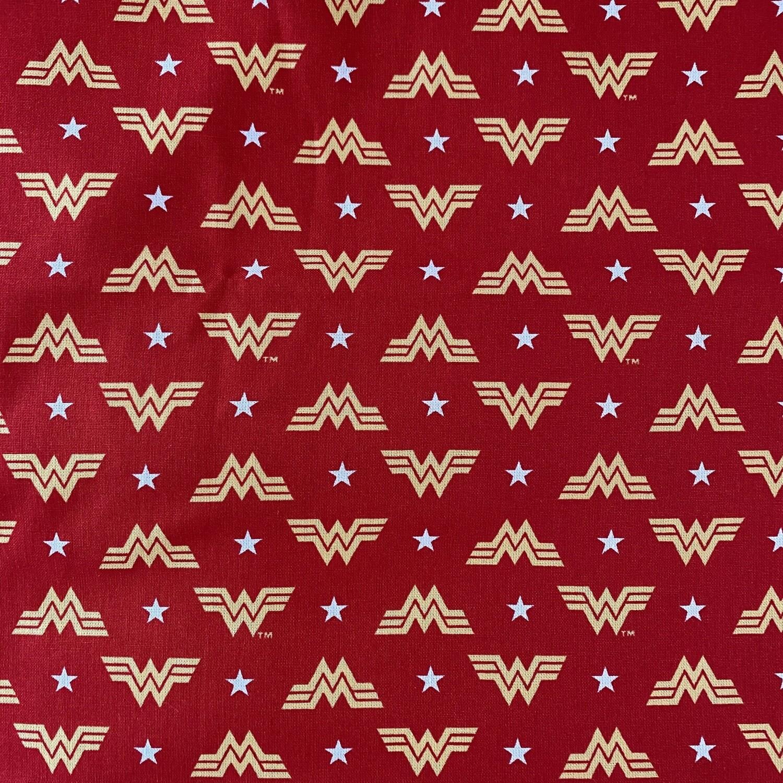 EasyFit DC Comics Wonder Woman Logo Reusable Cloth Face Mask