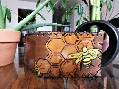 Honey Comb Handcrafted Leather Wallet