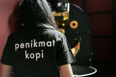 PENIKMAT KOPI T-SHIRT (BLACK)