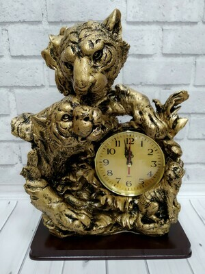 Часы настольные  Тигры 23,5*9*31 см