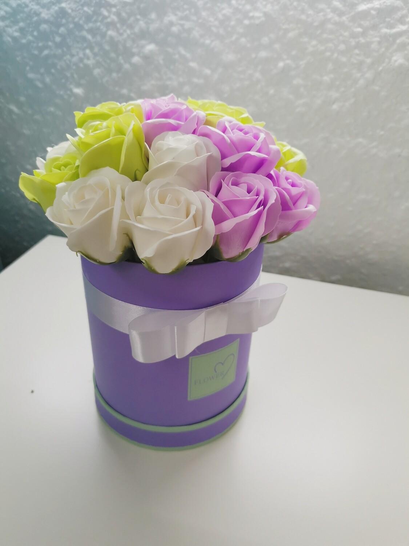 Композиция 19 мыльных роз