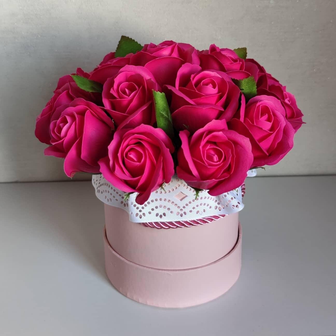 Композиция  из 17 мыльных роз