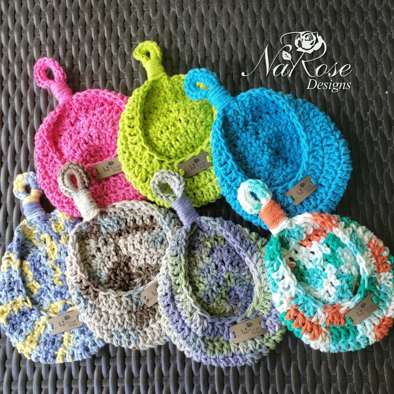 Small Hanging Teardrop Basket