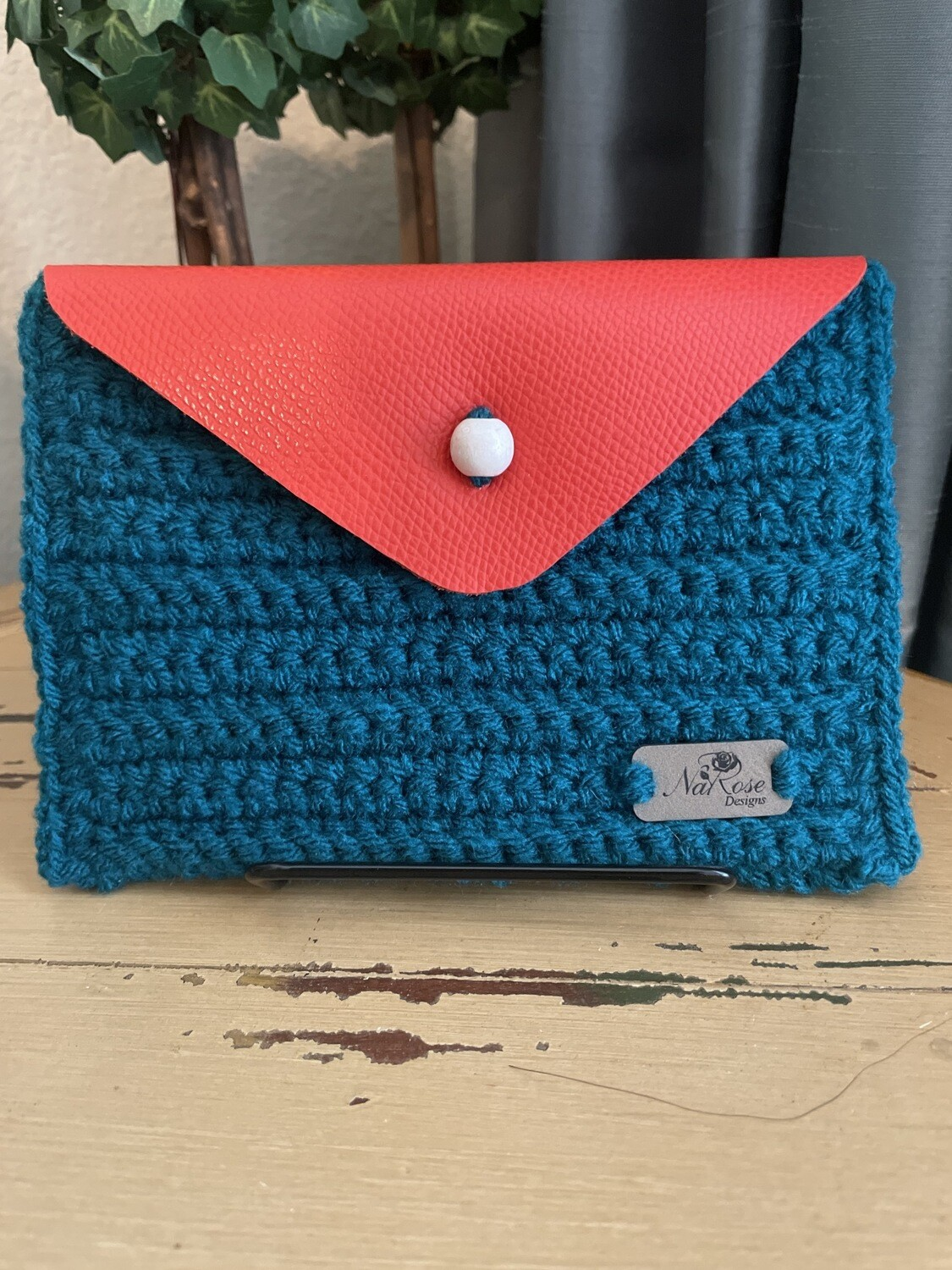The Compliment Clutch