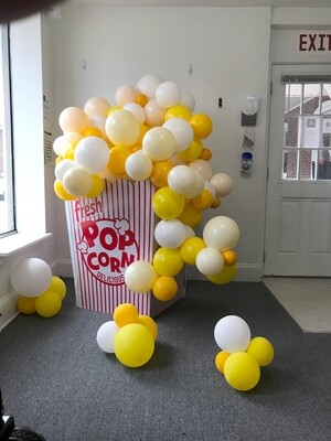 Popcorn Box Arch with air filled bubble garland