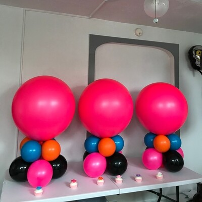 Enormous low bubble centerpiece, any character or occasion
