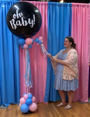 Giant gender Reveal balloon topiary