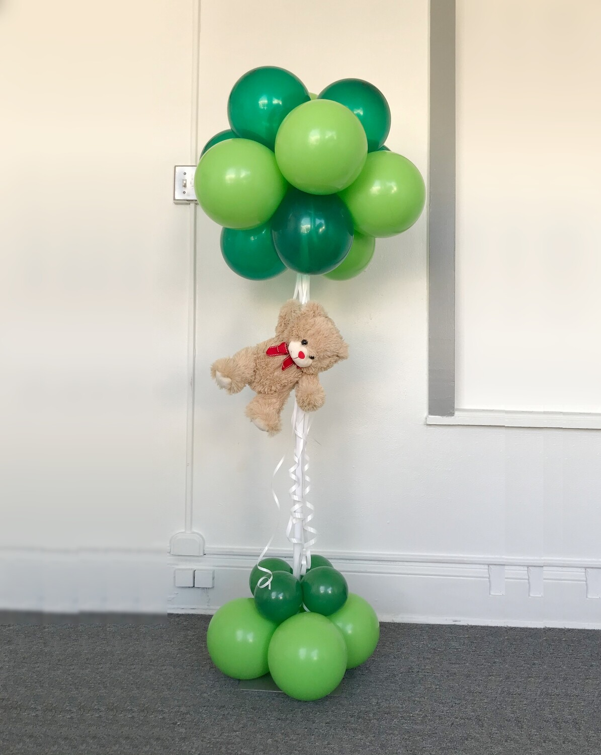 Floating teddy bear on Traditional topiary centerpiece balloon decoration
