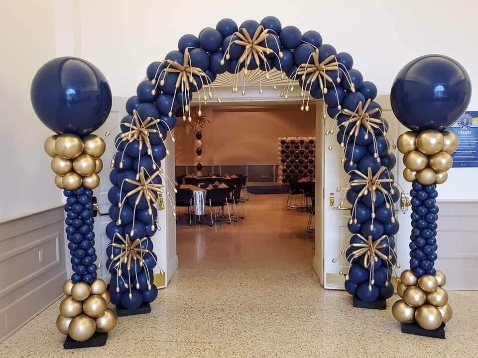 Balloon Arch with fireworks