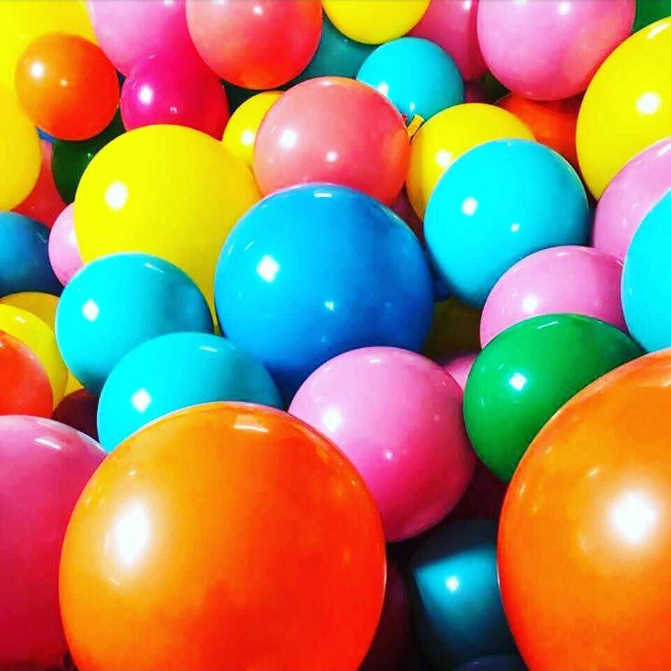 Floor balloons 9.5 inches, solid colors (will not float)