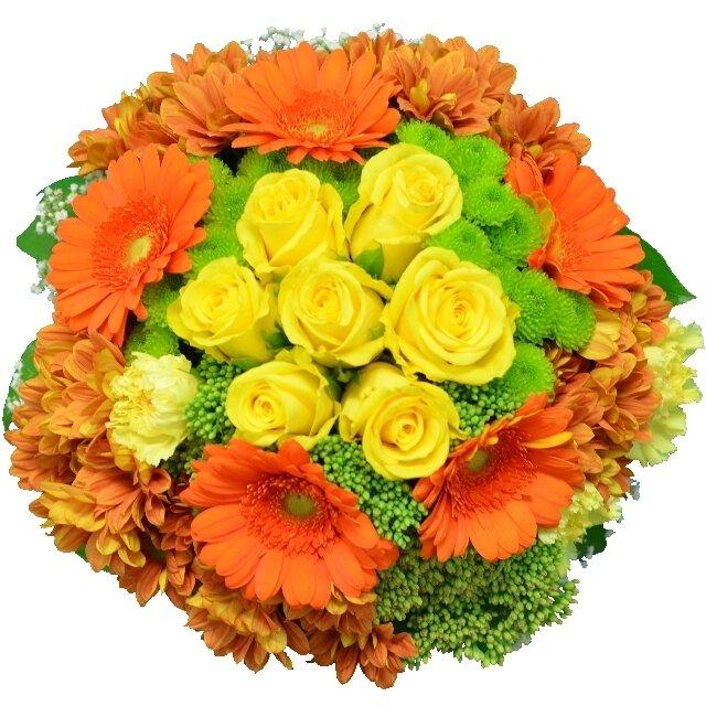 Kytica žlto-oranžových kvetov so zelenými chryzantémami