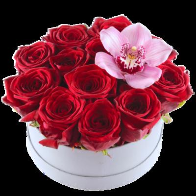 Ruže v boxe s orchideou