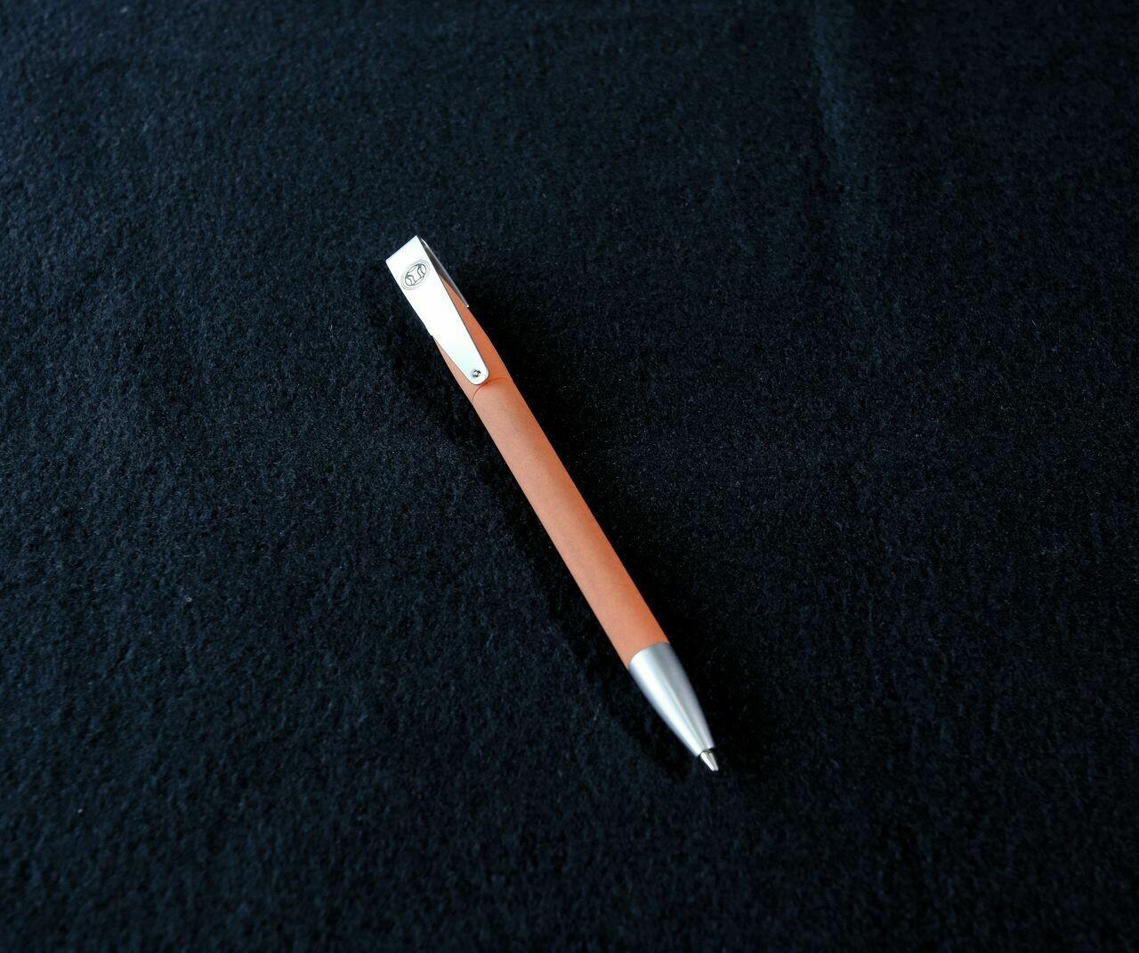 Ручка шариковая D1