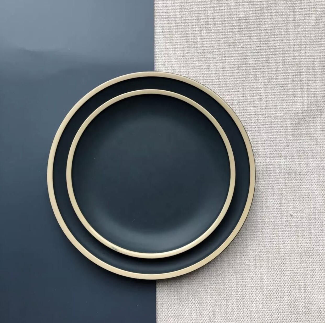Poppy Stoneware Collection in Navy