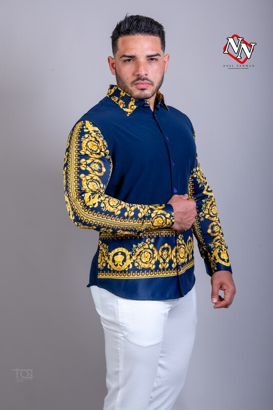 Camisa azul con estampado
