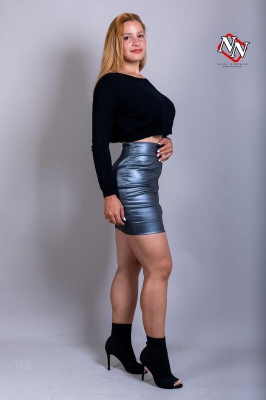 Falda elástica símil piel