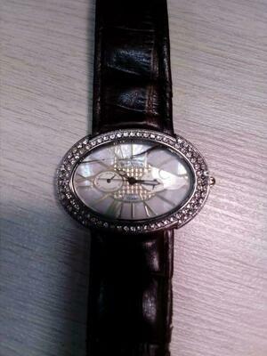 Наручные женские часы Romanson