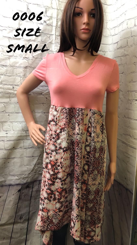 Coral Short Sleeve Dress Size Medium