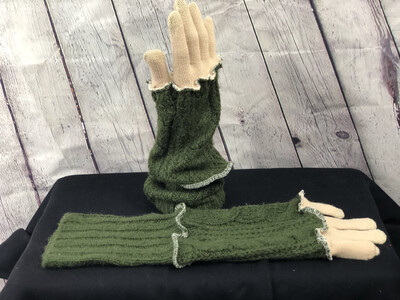 Begonia Upcycled Sweater Gloves