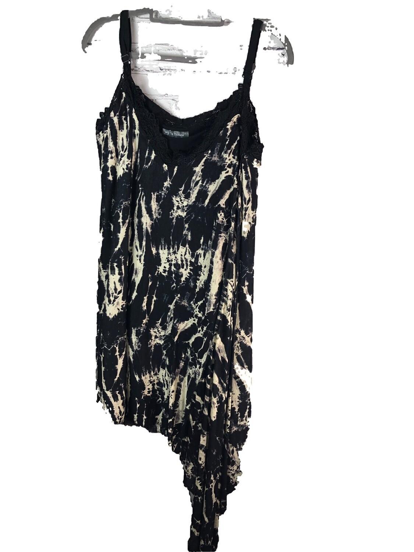 S Threads Upcycled Refashioned Tank Top Stretch Knit Asymmetrical Point Hem Black Print size 2X