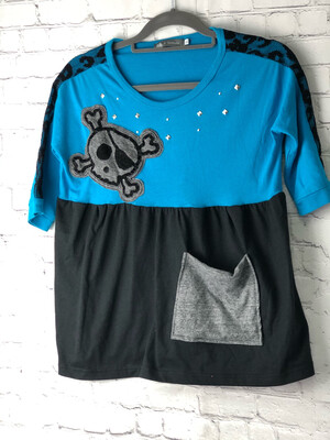 S Threads Kids Upcycled Short Sleeve Skull and Studs Shirt Size Child XL