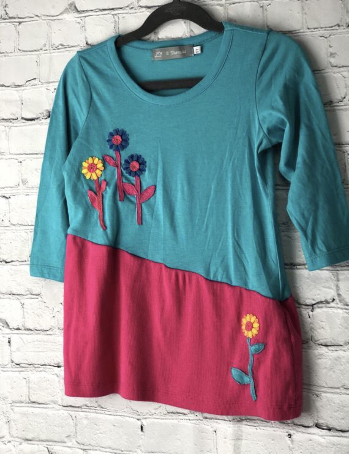 S Threads Boutique Kids Upcycled Kids Felt Flower Top size 5T