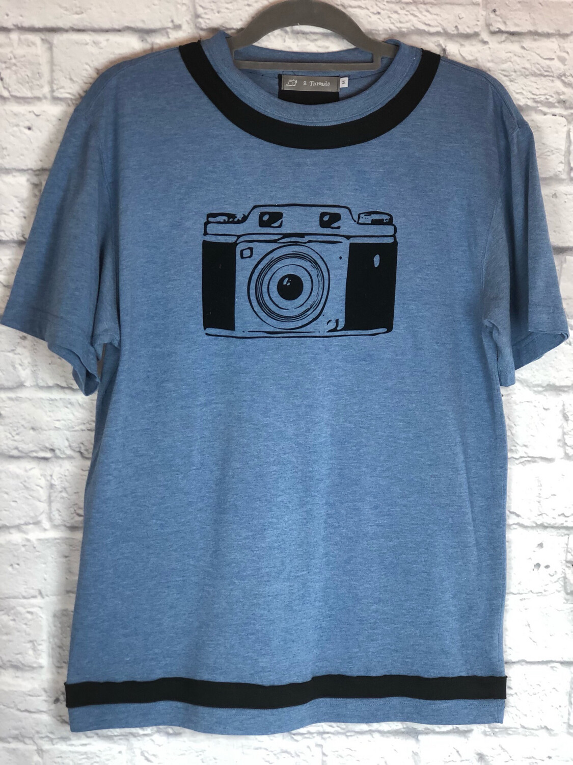 S Threads Upcycled Tshirt Camera Tee Size Mens M